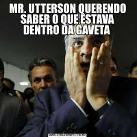 MR. UTTERSON QUERENDO SABER O QUE ESTAVA DENTRO DA GAVETA